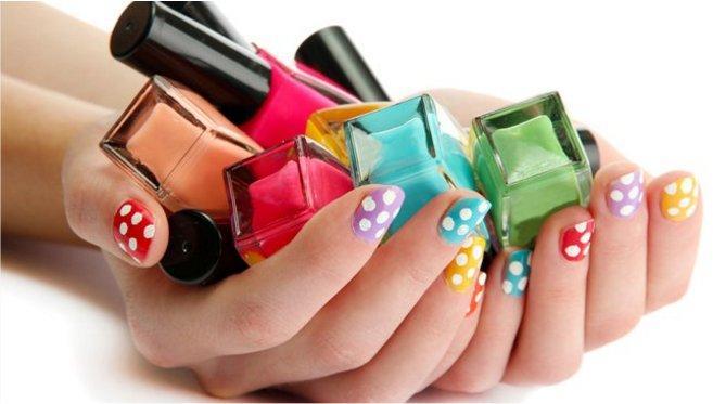 Ordenar los esmaltes de uñas
