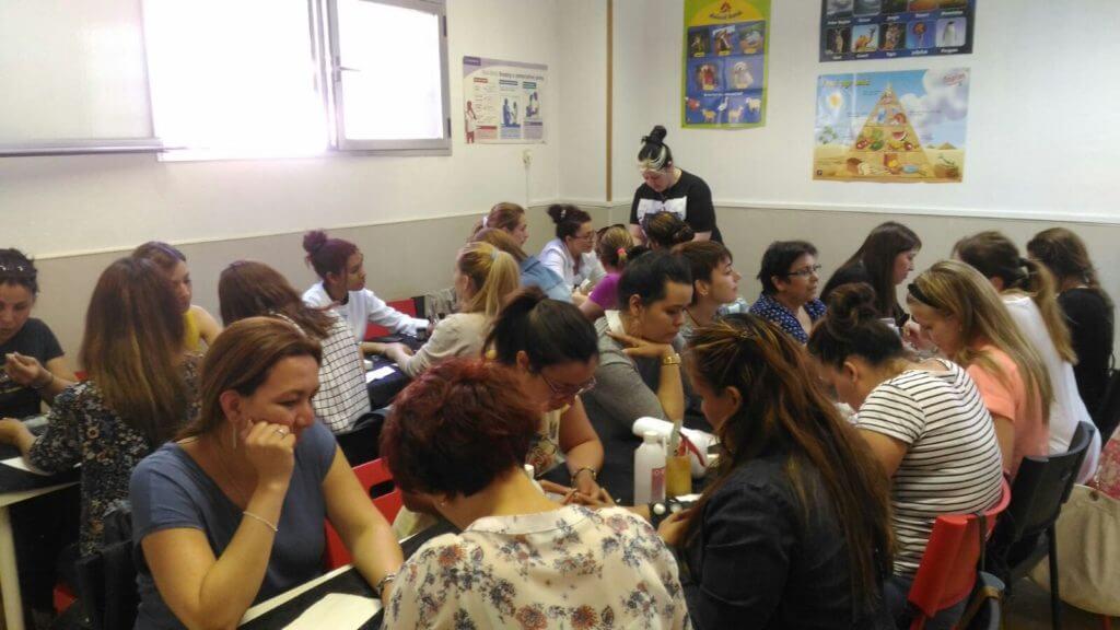 Foto de las alumnas del curso de UÑAS ACRÍLICO Y GEL del día 22/05/16