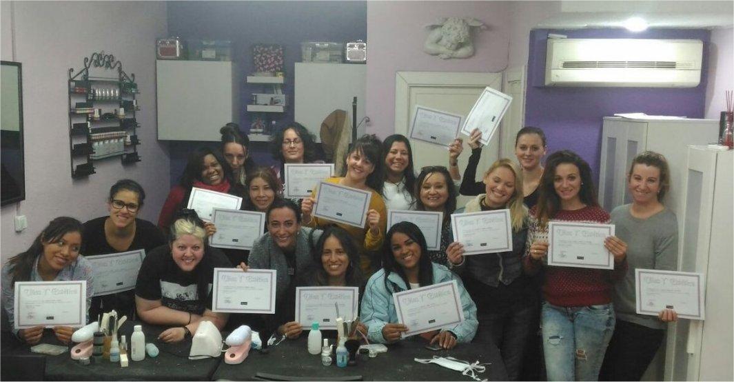 Fotos de las alumnas curso de uñas acrílico y gel 06/11/16