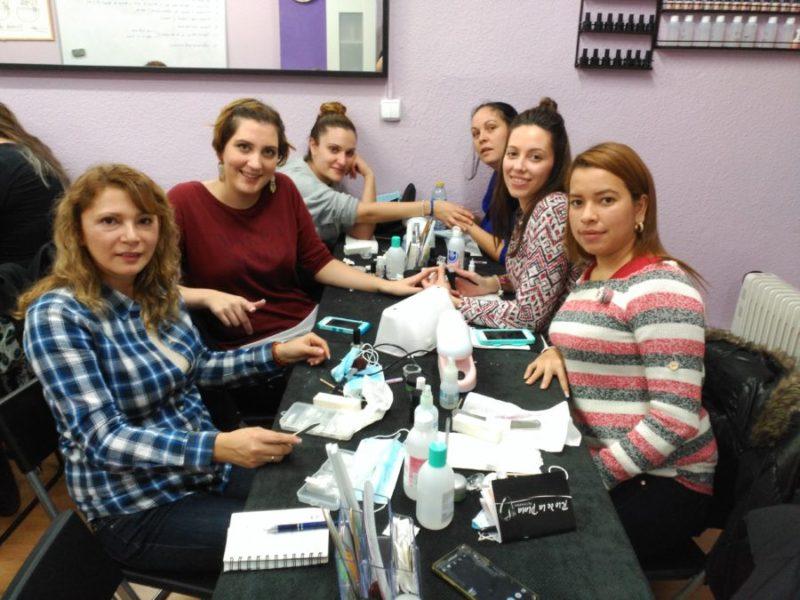 Fotos de las alumnas del curso de uñas de gel y acrílico del día 04/12/16