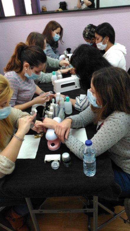 Fotos de las alumnas del curso de uñas de acrílico y gel del día 18/12/16