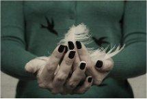 Cómo decorar tus uñas con plumas