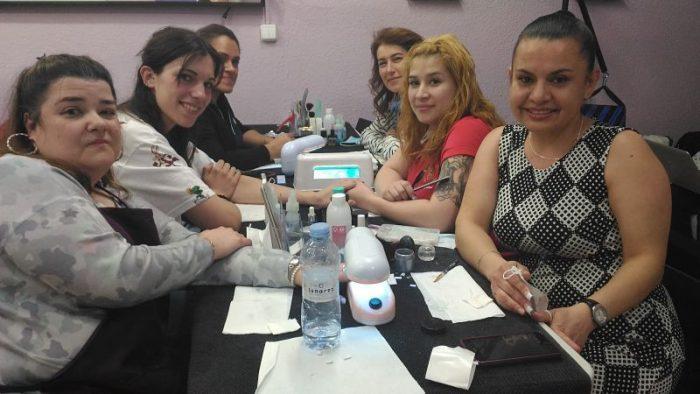 Fotos de las alumnas del curso de uñas de acrílico y gel del día 12/03/16
