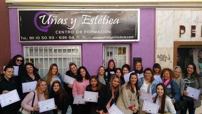 Foto de las alumnas cursos de extensiones de pestañas 02/04/17