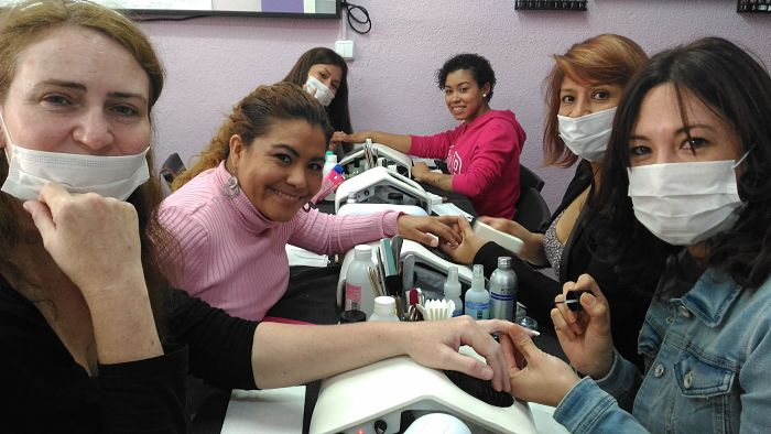Fotos de las alumnas del curso de uñas de acrílico y gel del día 14/05/17