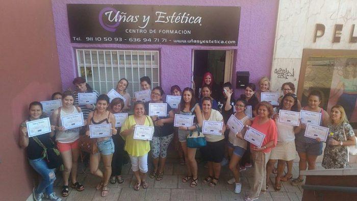 Fotos de las alumnas del curso de uñas de acrílico y gel del día 18/06/17