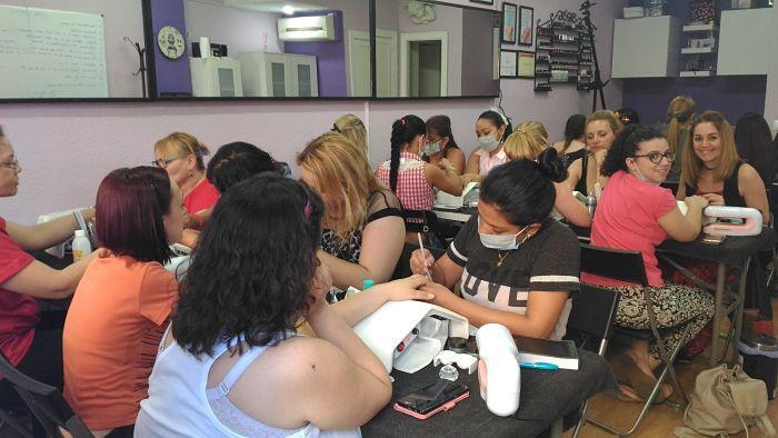 Fotos de las alumnas del curso de uñas de acrílico y gel del día 11/06/17