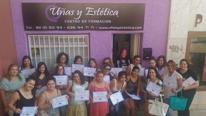 Fotos de las alumnas del curso de uñas de acrílico y gel del día 16/07/17