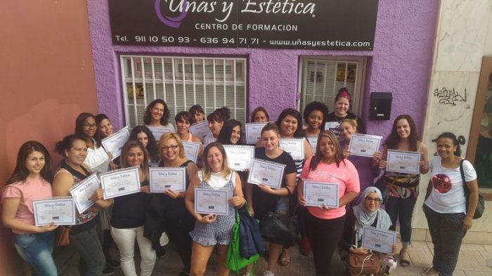 Fotos de las alumnas del curso de uñas de acrílico y gel del día 03/09/17