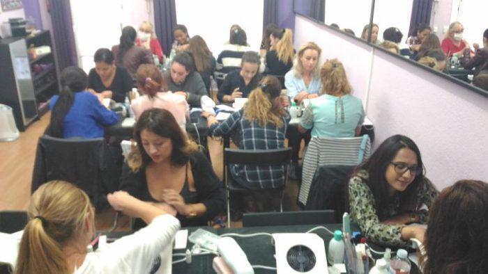 Fotos de las alumnas del curso de uñas de acrílico y gel del día 17/09/17