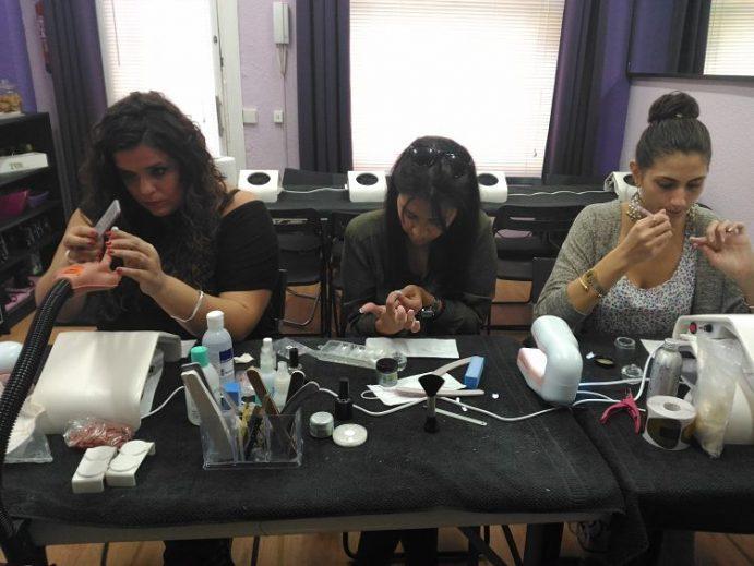 Fotos de las alumnas del curso de uñas de acrílico y gel del día 11/10/17