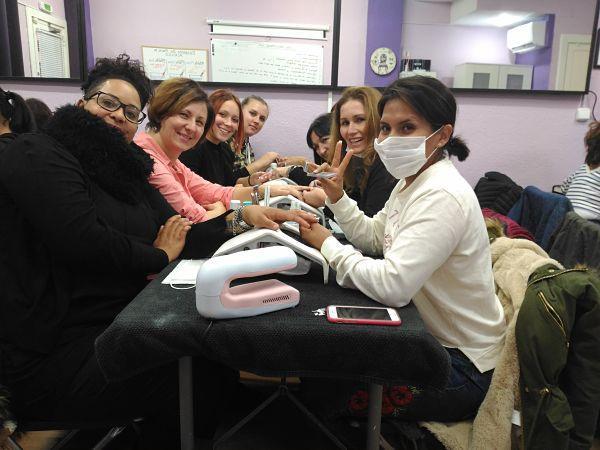 Fotos de las alumnas del curso de uñas de acrílico y gel del día 12/11/17