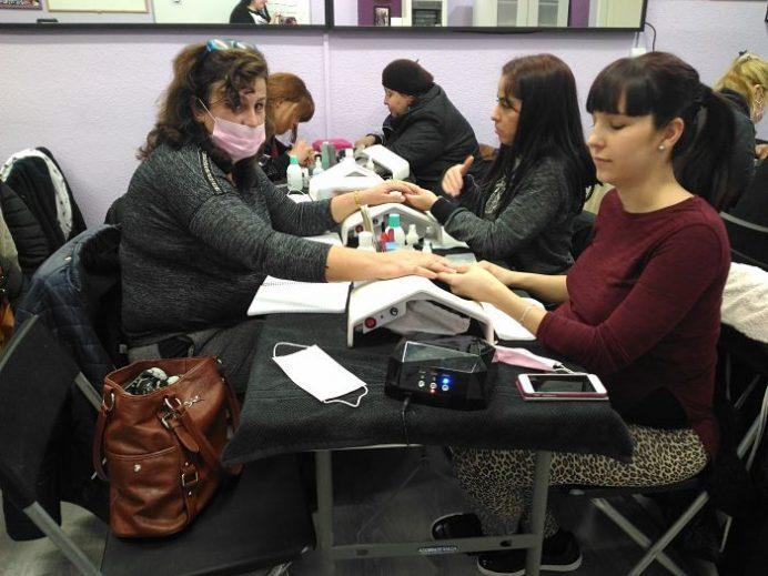 Fotos de las alumnas del curso de uñas de gel y acrílico del 11/02/18