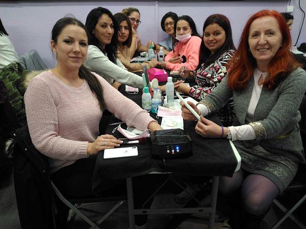 Fotos de las alumnas del curso de uñas de gel y acrílico del 04/03/18