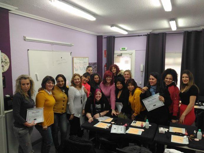 Foto de las alumnas del curso de extensión de pestañas del día 11/03/18