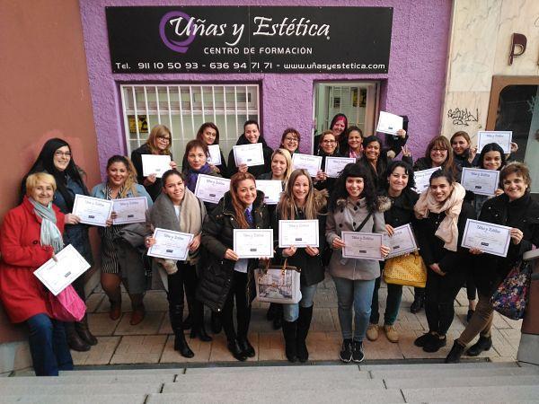 Foto de las alumnas del curso de uñas de gel y acrílico del día 18/03/18