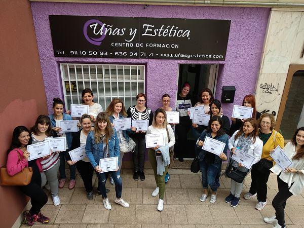 Foto de las alumnas del curso de esmalte permanente del día 20/05/18
