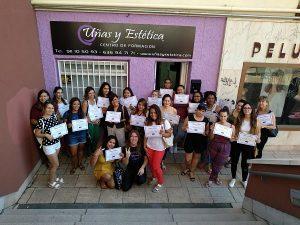 Foto de las alumnas del curso de acrílico y gel día 29/07/18