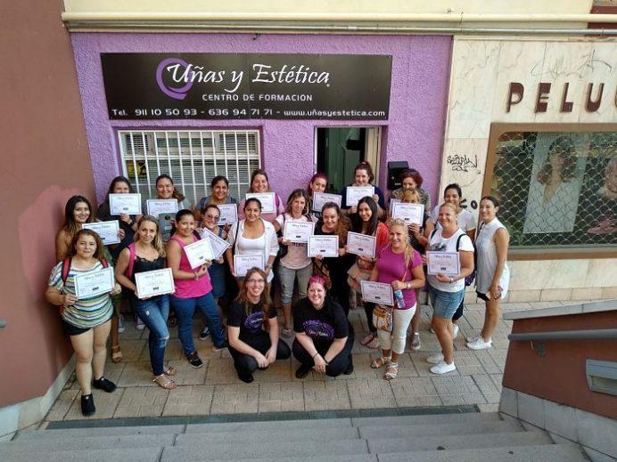 Foto de las alumnas del curso de acrílico y gel día 26/08/18