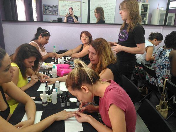 Fotos de las alumnas del curso de esmalte permanente del día 5/8/18