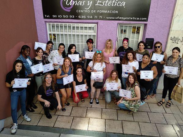 Foto de las alumnas del curso de Esmalte permanente del día 09/07/18