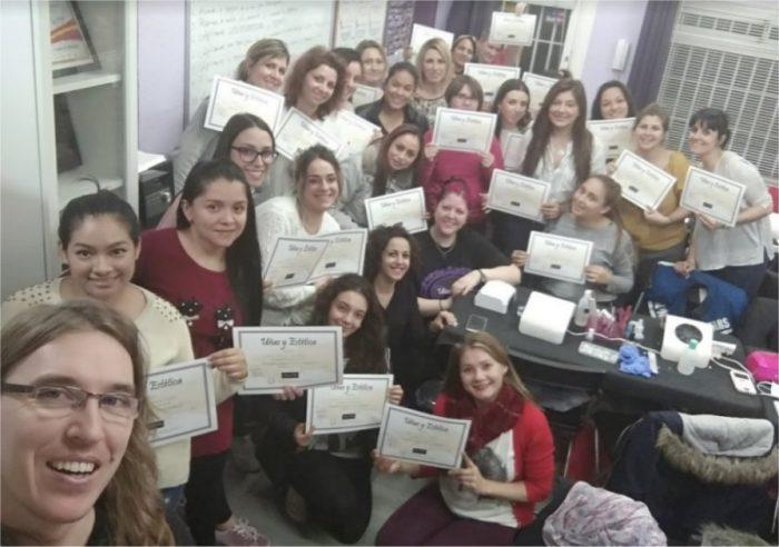 Foto de las alumnas del curso de uñas de gel y acrílico del día 18/11/18