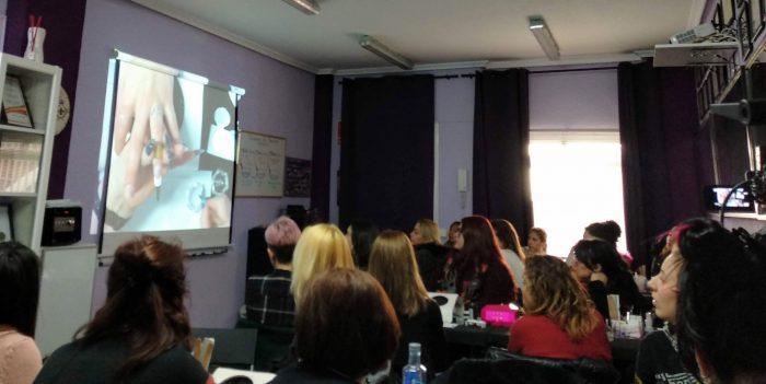 Foto de las alumnas del curso de uñas de gel y acrílico del día 13/01/19-2