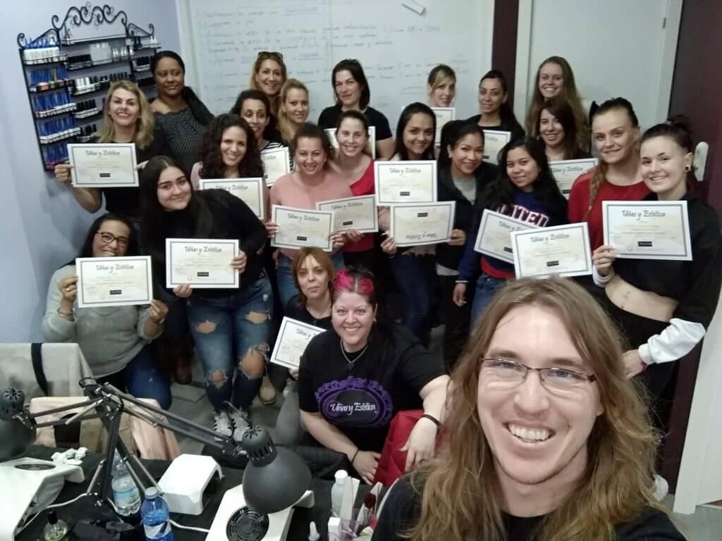 Foto de las alumnas del curso de uñas de gel y acrílico del día 24/03/19