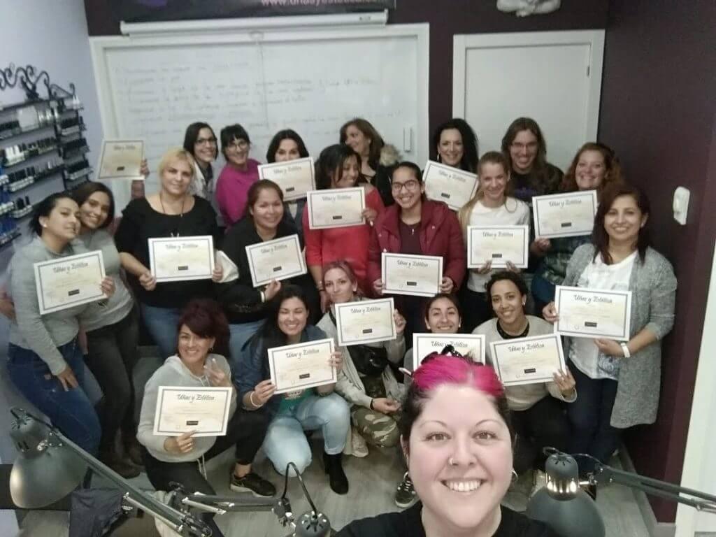 Foto de las alumnas del curso de uñas de gel y acrílico del día 31/03/19