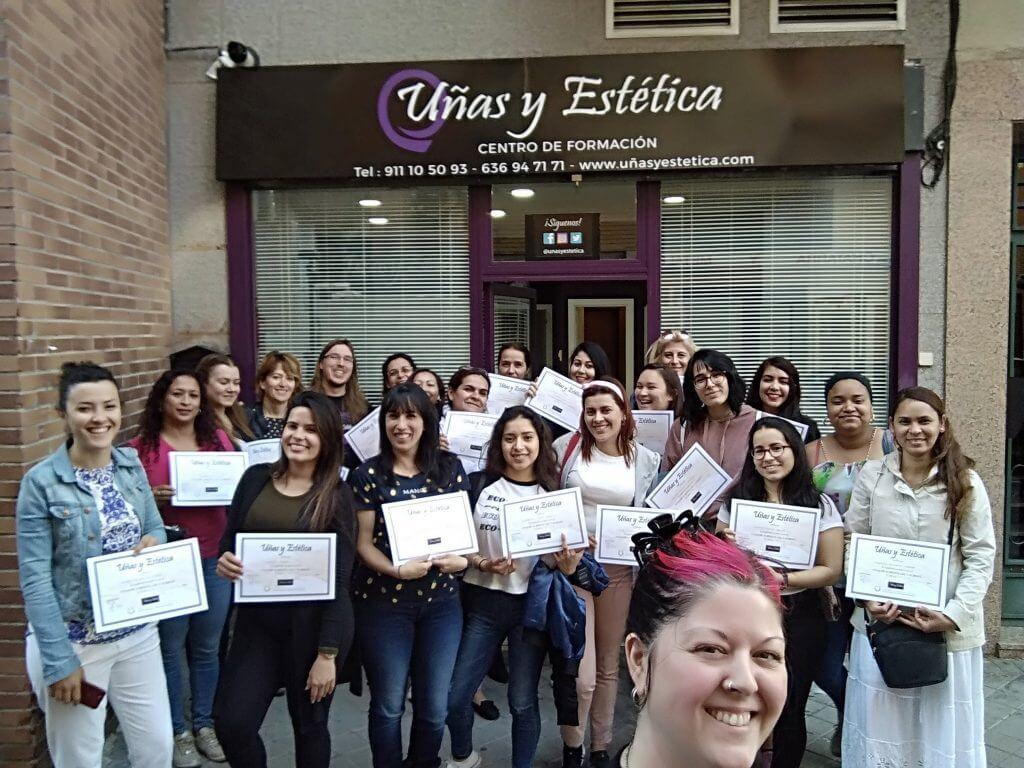 Foto de las alumnas del curso de uñas de gel y acrílico del día 28/04/19