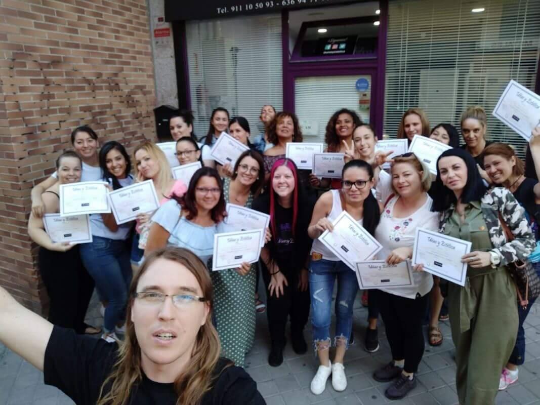 Foto de las alumnas del curso de uñas de gel y acrílico del día 28/07/2019