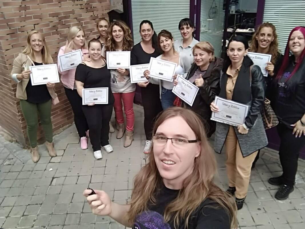 Foto de las alumnas del curso de nail art del día 15/09/19