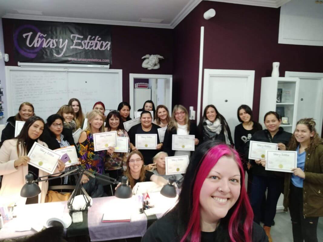 Foto de las alumnas del curso de uñas de gel y acrílico del día 10/11/2019