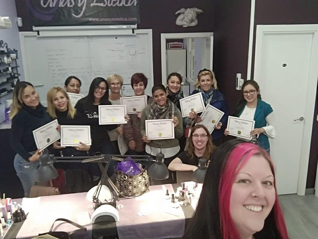 Foto de las alumnas del curso de uñas con SISTEMA DIPPING 16/11/19