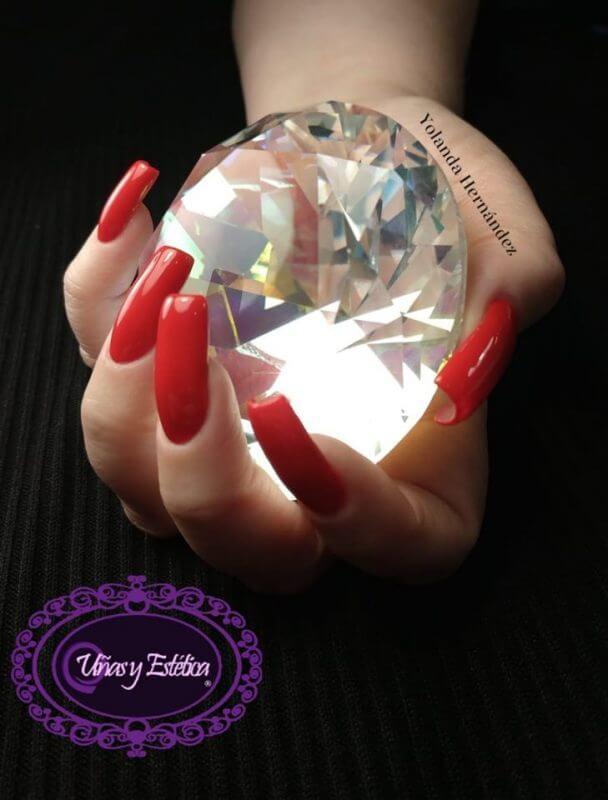 Curso de uñas con esmalte semipermanente