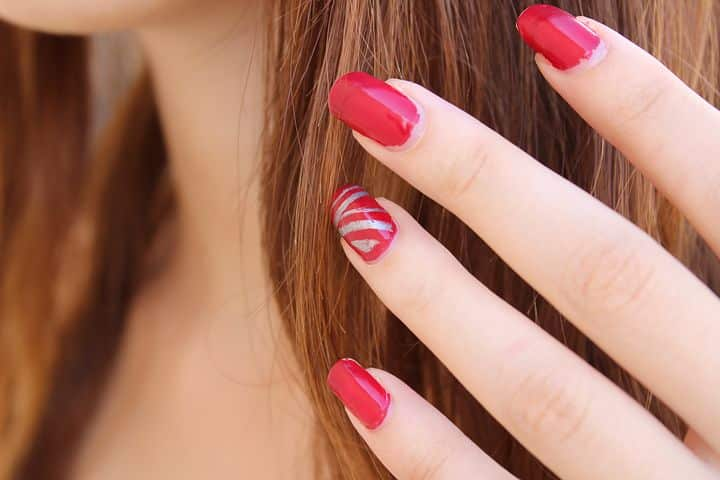Accent nails