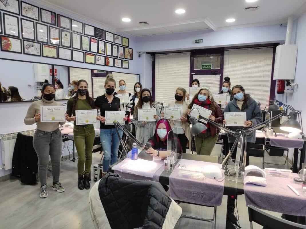 Fotos de las alumnas. Acrílico y gel 14 y 15 de noviembre 2020