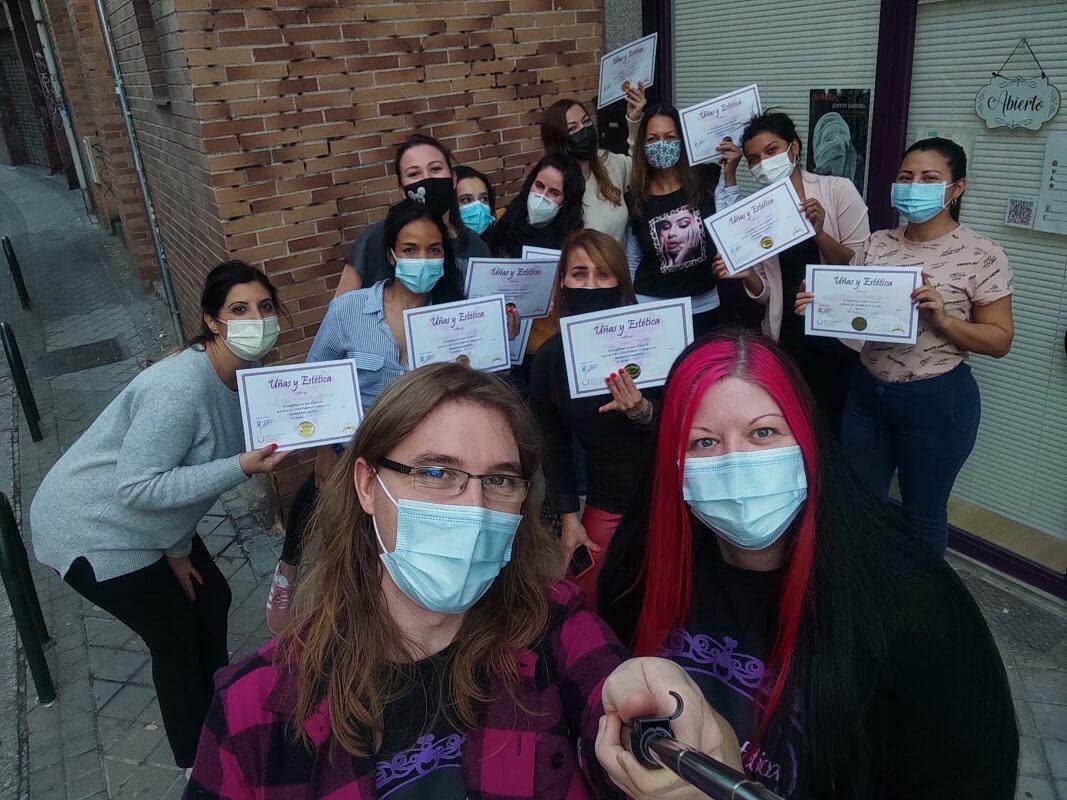 Fotos de las alumnas del curso de manicura con torno y esmalte permanente. 22/11/20