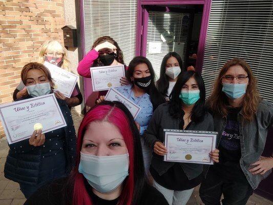 Fotos de las alumnas. Curso Extensiones de pestañas 1/11/20