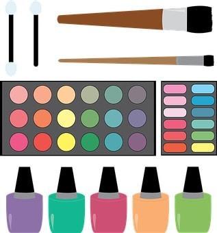 Girando la paleta de colores para adornar las uñas de gel